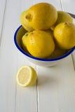 Citrons de coupe Images stock