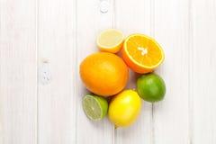 Citrons, oranges et limettes Oranges, chaux et citrons Image stock