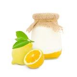 Citronyoghurt arkivbild