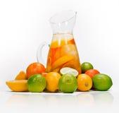 citrus drinkkanna Arkivfoton