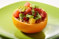 citrus ny fruktsalladserving Arkivbild