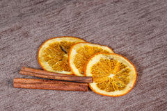 Citrusvrucht en kaneel Stock Fotografie