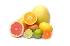 Citrusvrucht op witte achtergrond wordt geïsoleerd die Stock Foto