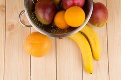 Citrusvruchten en bananen Stock Afbeelding