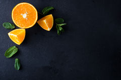 Citrusvruchtenplakken en muntkruiden Royalty-vrije Stock Fotografie