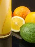 Citrusvruchtensap en oranje citroenkalk Royalty-vrije Stock Fotografie