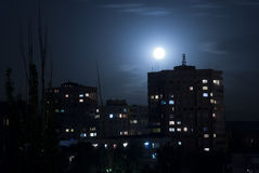 Città Abovyan nella notte Immagine Stock