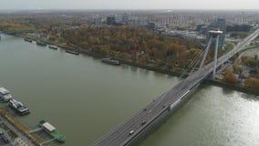 Città aerea del fuco 4K Bratislava Danubio vecchia stock footage