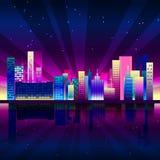 Città al neon di notte nello stile dello synthwave Fondo urbano di New York con le pendenze variopinte illustrazione vettoriale