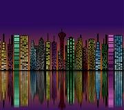 Città alla notte. Siluetta delle costruzioni. royalty illustrazione gratis