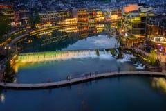 Città antica di Fenghuang nel tempo crepuscolare, attractio turistico famoso Fotografie Stock