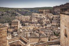 Città antica i Sassi, punto di riferimento di Matera del sito del patrimonio mondiale dell'Unesco La Basilicata, Italia immagini stock