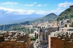 Città antica Taormina sulla costa siciliana Fotografia Stock