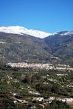 Città bianca, Orgiva, Andalusia, Spagna. Fotografia Stock Libera da Diritti