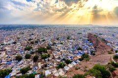 Città blu di Jodhpur dalla fortificazione di Mehrangarh fotografia stock