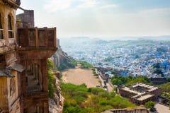 Città blu di Jodhpur dalla fortificazione di Mehrangarh fotografie stock
