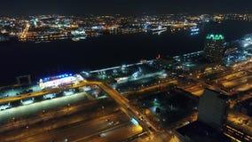 Città concentrare Filadelfia di vista aerea & zona circostante alla notte stock footage