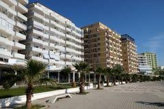 Città costiera di Shengjin sul mare adriatico in Albania immagine stock