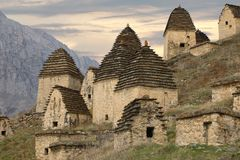 Città dei morti in Dargavs Caucaso, Russia Immagine Stock Libera da Diritti