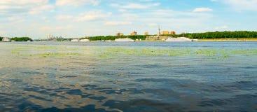 Città del fiume fotografie stock