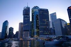 Città del fiume di Brisbane al crepuscolo Fotografia Stock