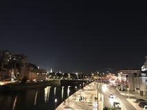 Città del fiume di notte di estate di Mosca fotografia stock