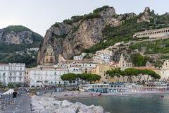 Città del mare con la spiaggia Fotografia Stock Libera da Diritti