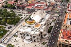 CITTÀ DEL MESSICO - CIRCA MAGGIO 2013: Palacio de Bellas Artes del centro Immagini Stock