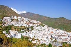 Città del Pueblo di Ojen vicino a Marbella in Spagna Immagini Stock