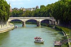 Città del Vaticano da Ponte Umberto I a Roma, Italia Immagini Stock