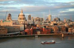 Città dell'orizzonte di Londra da Bankside Immagini Stock