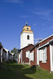 Città della chiesa con la chiesa di Gammelstad nella b Fotografia Stock