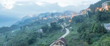 Città della montagna di Sapa nel Vietnam del Nord a penombra Fotografia Stock Libera da Diritti