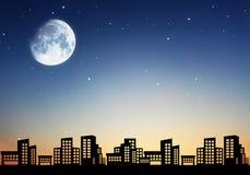 Città della notte con il fondo del cielo Immagini Stock Libere da Diritti
