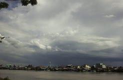 città della riva del fiume fotografia stock libera da diritti