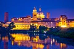 Città della vista di sera dell'orizzonte di Mantova Fotografie Stock