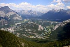 Città di Banff dalla montagna dello zolfo Fotografia Stock
