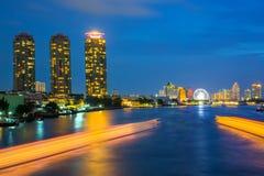 Città di Bangkok di traffico del fiume Immagini Stock