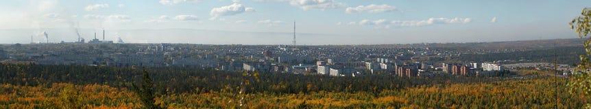 Città di Bratsk Vista dal ` s del soldato della montagna immagini stock libere da diritti
