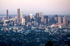 Città di Brisbane al crepuscolo Immagini Stock
