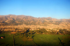 Città di Cajamarca Perù immagini stock