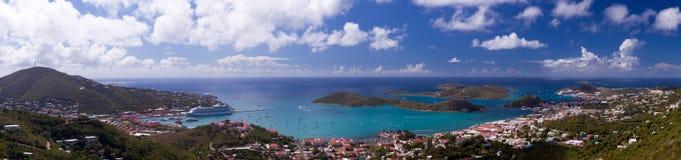Città di Charlotte Amalie e porto fotografia stock