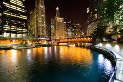 Città di Chicago alla notte Fotografia Stock Libera da Diritti