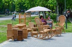 Città di evento dei padroni Mostra e vendita di mobilia di vimini Fotografia Stock Libera da Diritti