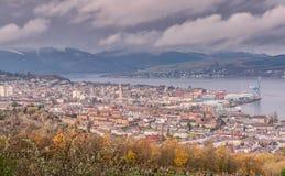 Città di Greenock, Inverclyde e colline Scozia del fondo Fotografie Stock Libere da Diritti