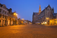 Città di Haarlem, Paesi Bassi alla notte Fotografia Stock Libera da Diritti