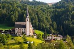 Città di Heiligenblut sotto la montagna di Grossglockner nel parco nazionale di Hohe Tauern Fotografia Stock