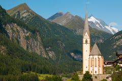Città di Heiligenblut sotto la montagna di Grossglockner nel parco nazionale di Hohe Tauern Fotografia Stock Libera da Diritti