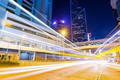 Città di Hong Kong con la luce dell'automobile Fotografia Stock Libera da Diritti