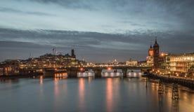 Città di Londra alla notte Immagini Stock Libere da Diritti
